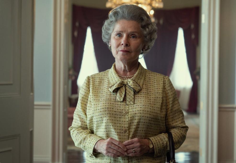 Här är första bilden på Imelda Staunton som Elizabeth II