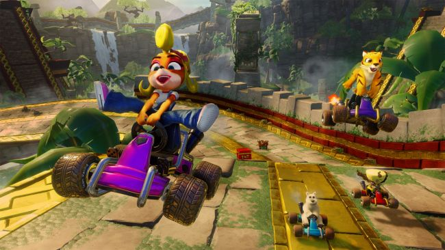 Crash Team Racing Nitro-Fueled toppar de brittiska listorna
