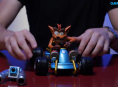 Vi packar upp tjusig modell av Crash Team Racing-kärran